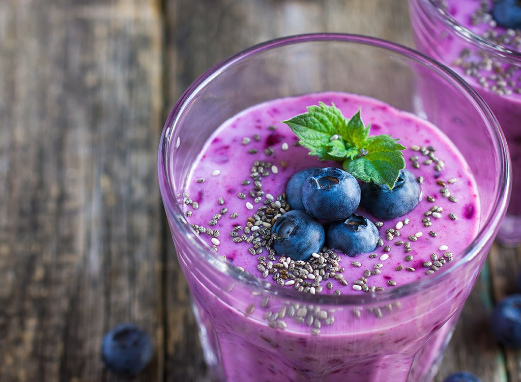 berry-smoothie-with-chia-seeds