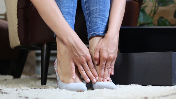 Before you wear those new shoes, try this blister-averting trick